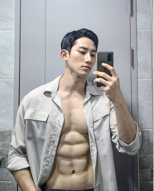 เกาหลี  Lee Jung